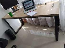 Escritorio madera y hierro nuevos domicilio