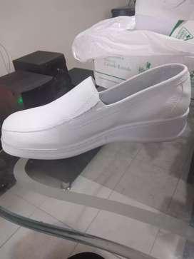 Se vende zapato Romulo de enfermeria