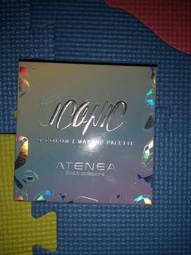 Maquillaje semi nuevo Iconic Atenea, 100% original. En excelente condiciones.