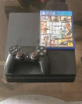 PS4 versión slim