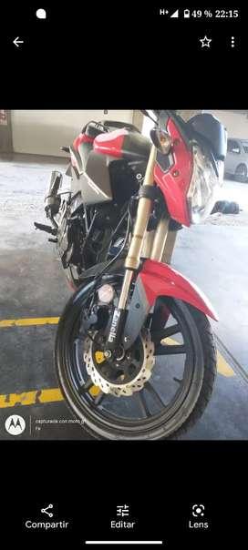 Vendo moto 200cc