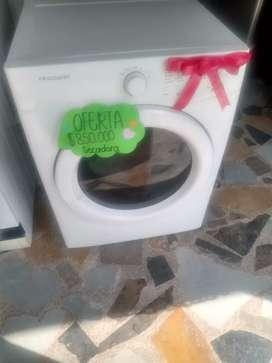 En venta secadora frigidaire 35 libras