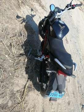 Se vende moto marca zongshen zII con motor 200