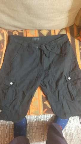 Pantalon bermuda negro