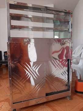 Vitrina con calefacción y gabinete