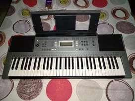 Organeta Yamaha psr e353