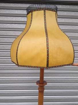 Lámpara de pie - madera Suiza