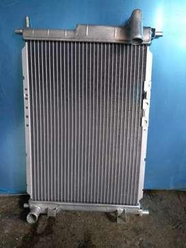 Radiador en aluminio para Cronos 724, mazda 2 etc