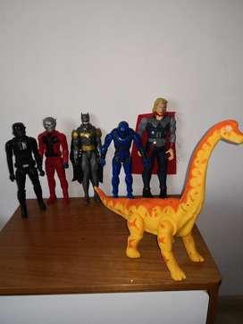 Vendo 6 Muñecos de Marvel