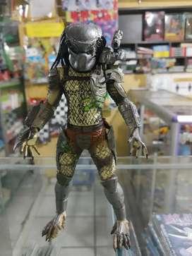 Se vende Figura Classic Predator marca NECA original