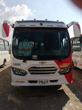 Vendo o permuto buseton NQR MODELO 2019