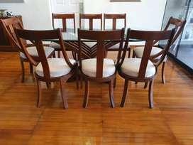 Comedor con 8 sillas