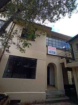Departamento bonito, amplio, ubicación céntrica, con garage