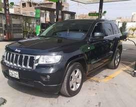 Jeep grand Cherokee laredo $17800 dolares, como nuevo.