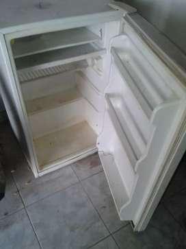 Vendo heladera bajo mesada
