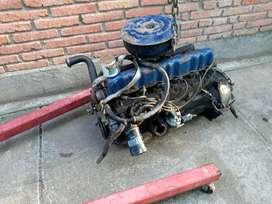 Vendo motor ford 6 cilindros y caja de velocidad de 3