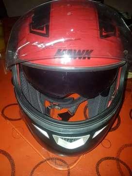 Vendo casco rebatible con visor nuevo..