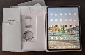 """iPad Pro 12.9"""" / 256GB / ( 3ra generación ) cómo nueva / aún en garantía"""