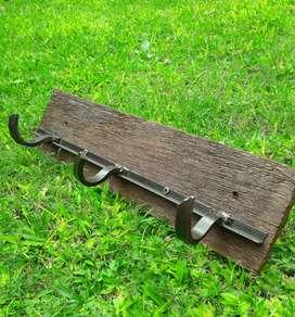 Artesanias en hierro y madera