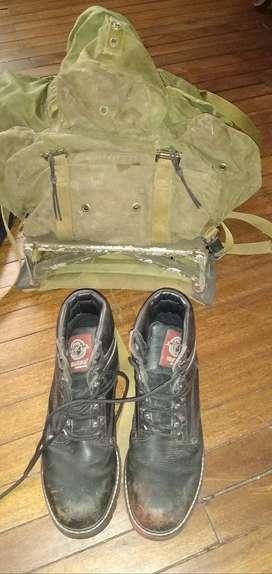 Se vende equipo de la policía y un par de botas punta de acero 80  mil