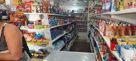 Supermercado con apartamento