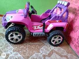 Hermoso carro para niñas jeep