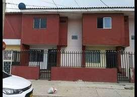 Se vende casa de dos pisos, precio negociable maximo 110 minimo negoci