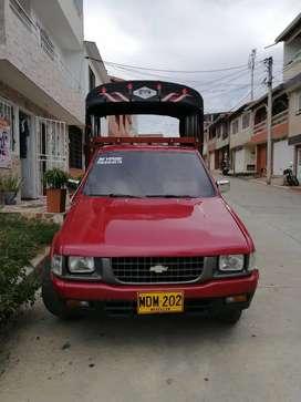 Se vende camioneta Chevrolet Luv 2300