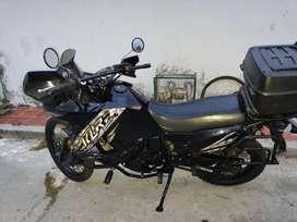 Vendo o permuto moto Kawasaki klr 650