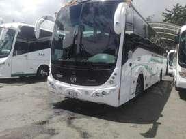 EXPRESOS en buses y camionetas van para viajar por Colombia