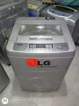 Lavadora moderna LG Turbo Drum 19 lbs
