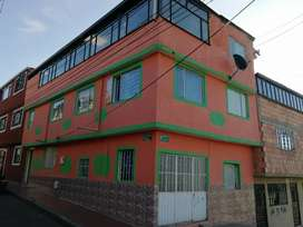 Se vende o se permuta casa de 3 pisos valor trecientos millones negociables