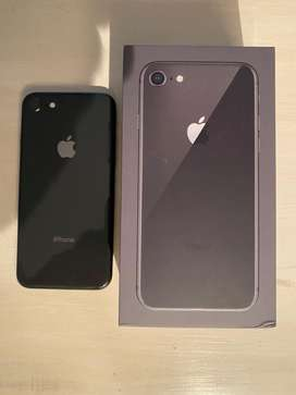 Vendo Iphone 8 64gb excelente estado como nuevo con 8 meses de uso.