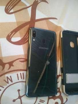 Vendo Samsung a20 +forro