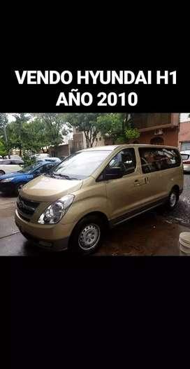 Vendo HYUNDAI H1 modelo 2010 titular al papeles al día lista  para  transferir