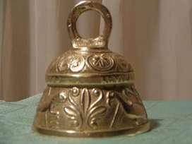 Antigua Campana Bronce Labrada Pelicanus Angelus..