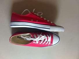 Zapatillas NUEVAS Unisex N 42 - Color Rojo