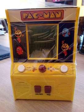 PAC MAN Arcade Juego Portátil Mini Basic Fun Namco Bandai (colección)