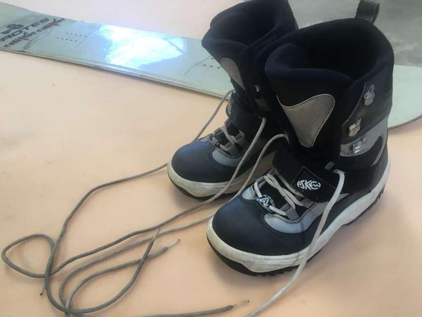 Venta de Snowboard y botas casi nuevas 0