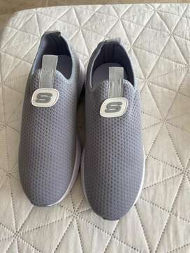Tenis skechers gris
