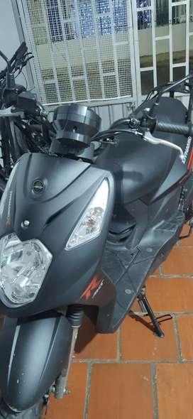 Vendo moto akt 125R Dynamic modelo 2020