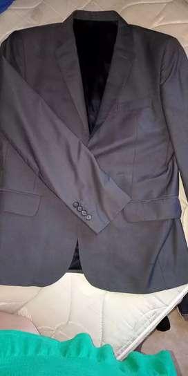 Traje 1 solo uso Rochas Gris excelente calidad saco y pantalón vestir fiesta elegante reuniones ambo ejecutivo