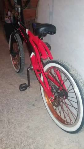 Se vende bicicleta GT