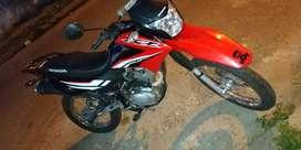 Vendo moto honda XR 150 titular