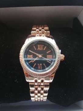 Ganga Hermoso Reloj de Dama