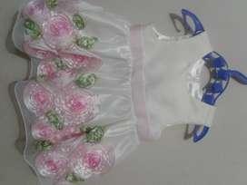 Venta de vestidos americanos para las princesitas del hogar talla nb y 3 meses en excelente estado