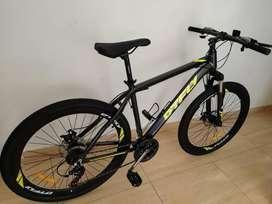 Vendo o cambio bicicleta de montaña nueva.
