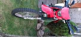 Vendo moto marca sikida 250