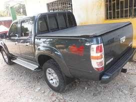 Camioneta en excelente estado, modelo 2011