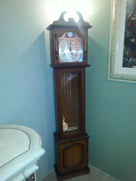 Hermoso Reloj Estilo Antiguo De 1.85 Metros